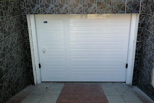 puerta automatica batiente rampa