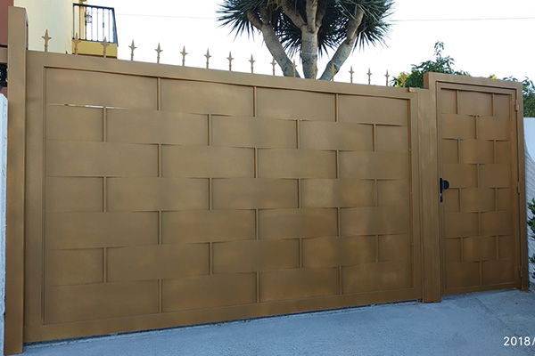 puerta automatica corredera marron