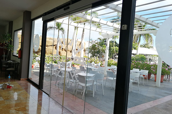 puerta automatica de vidrio-VIP-LOUNGE 1